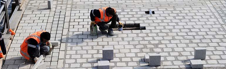stratenmaker voor bestrating oprit